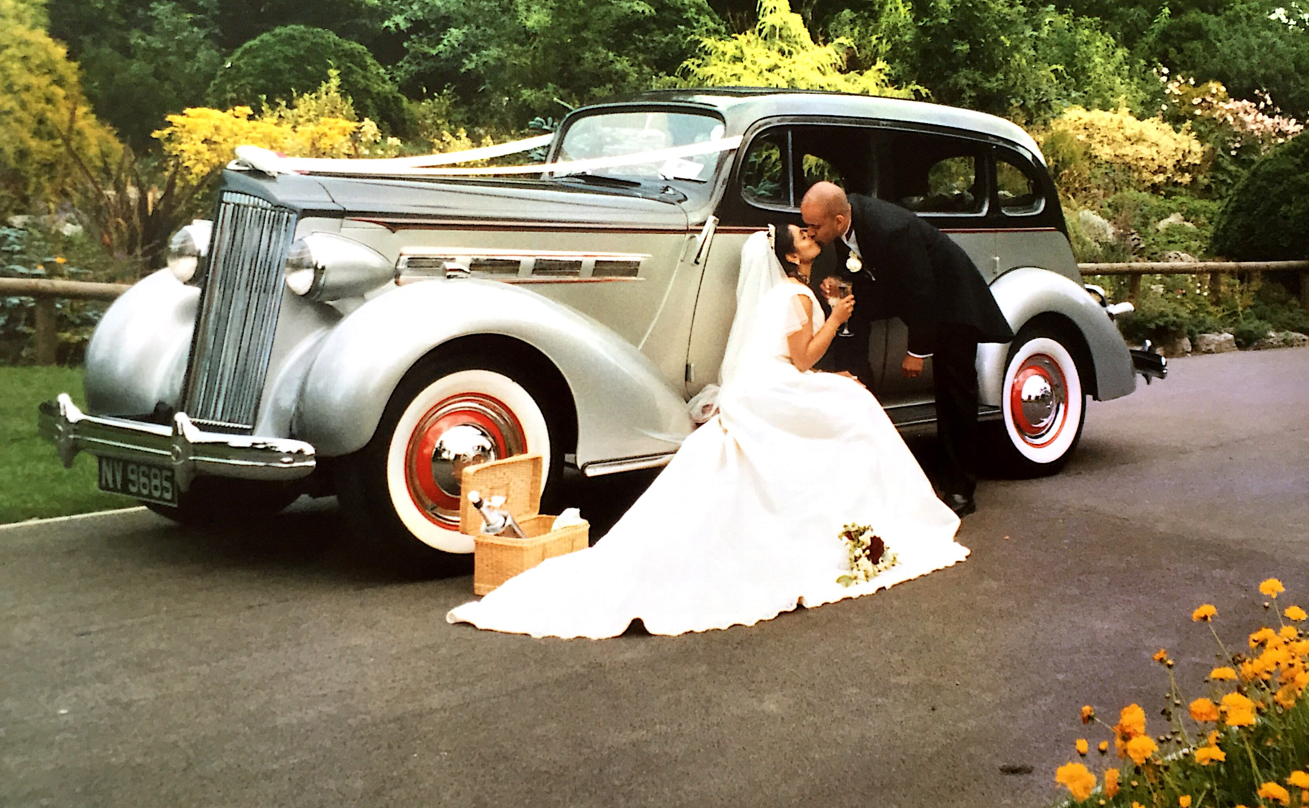 Get Discounts on Classic Car Hire at The Vintage Wedding Fair